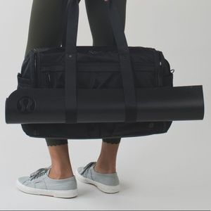 LULULEMON Urban Warrior black duffel bag